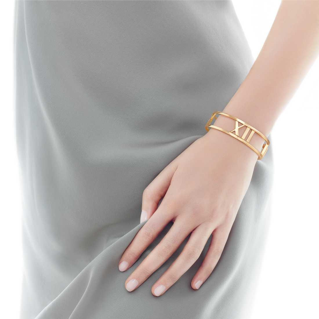 Tiffany's Atlas Medium Bangle Yellow 18K Gold